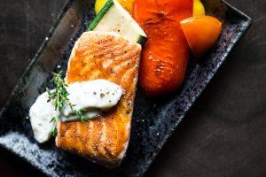 Dieta pudełkowa dla par z łososiem i warzywami
